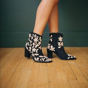 Free People Barclays Ankle Boot Black/Cream Size 7